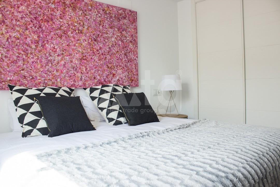 2 bedroom Apartment in Torrevieja - W8728 - 25