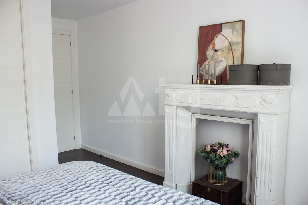 2 bedroom Apartment in Torrevieja - W8728 - 26