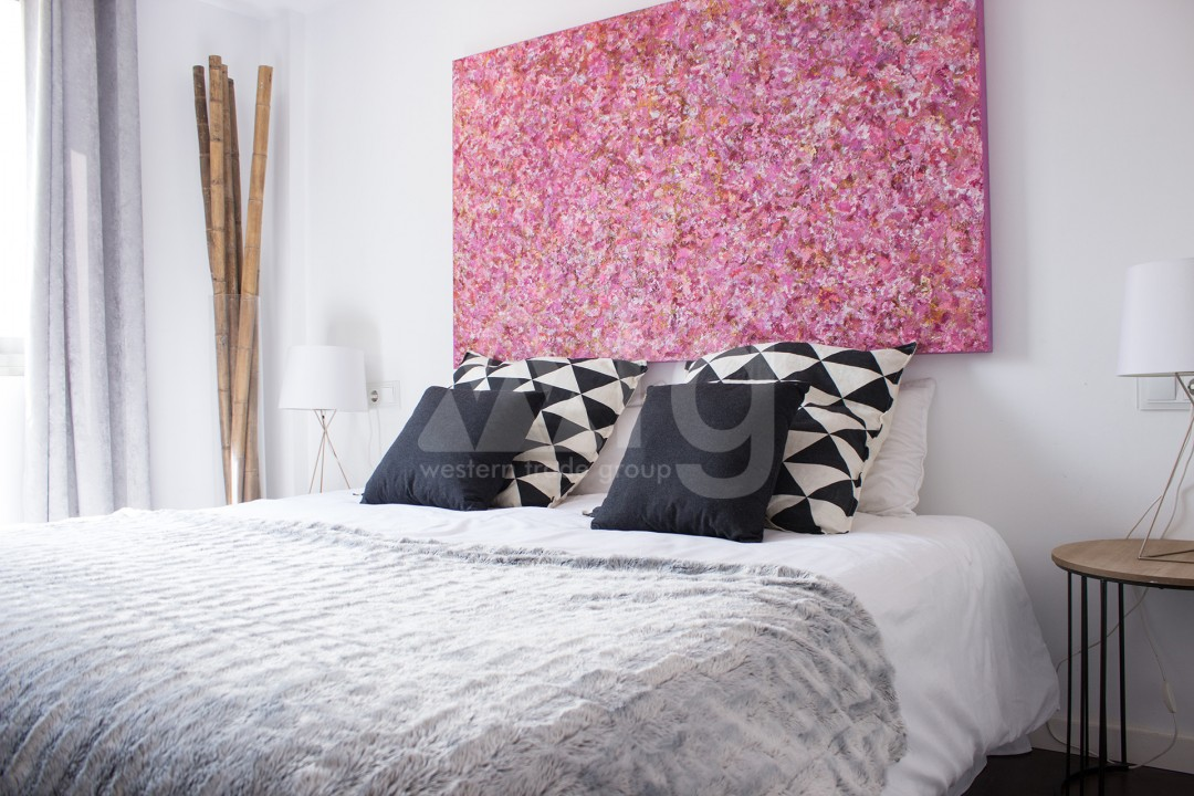 2 bedroom Apartment in Torrevieja - W8728 - 28