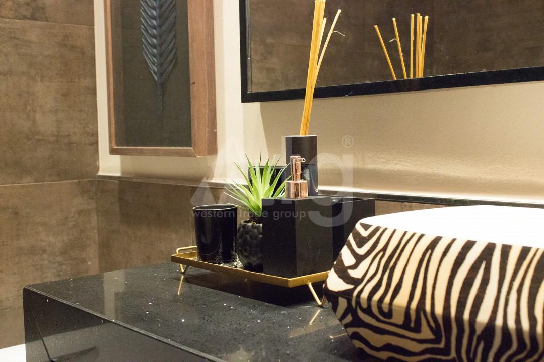 2 bedroom Apartment in Torrevieja - W8728 - 38