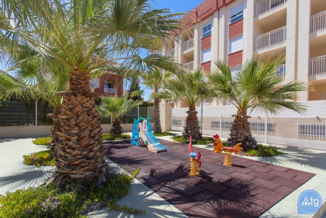 2 bedroom Penthouse in Cabo Roig  - CRR74222612344 - 27