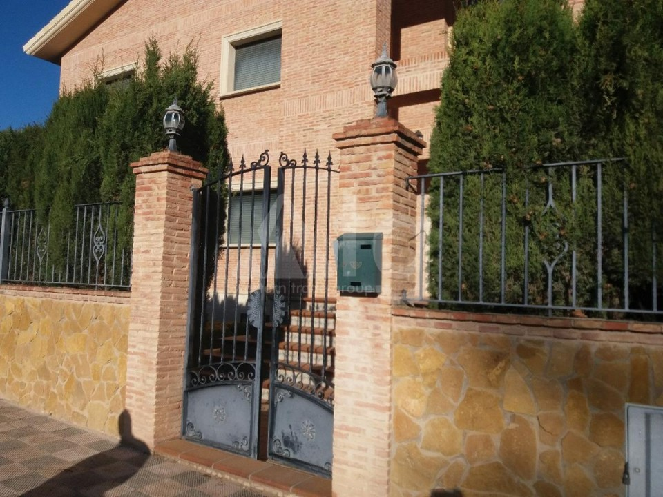 3 bedroom Townhouse in Torrevieja  - US115935 - 1