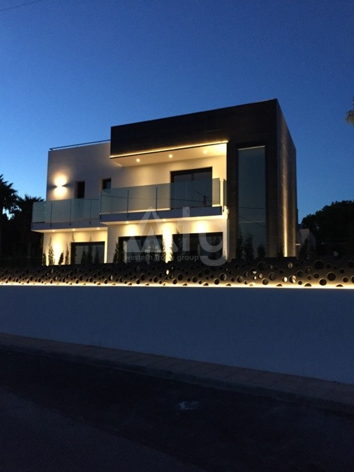 3 bedroom Townhouse in Torrevieja  - US115950 - 5