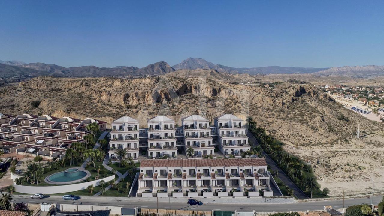 3 bedroom Duplex in Torrevieja  - NH110079 - 9