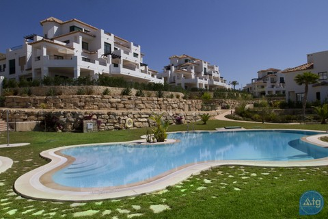 3 bedroom Villa in Villamartin - LH6485 - 2