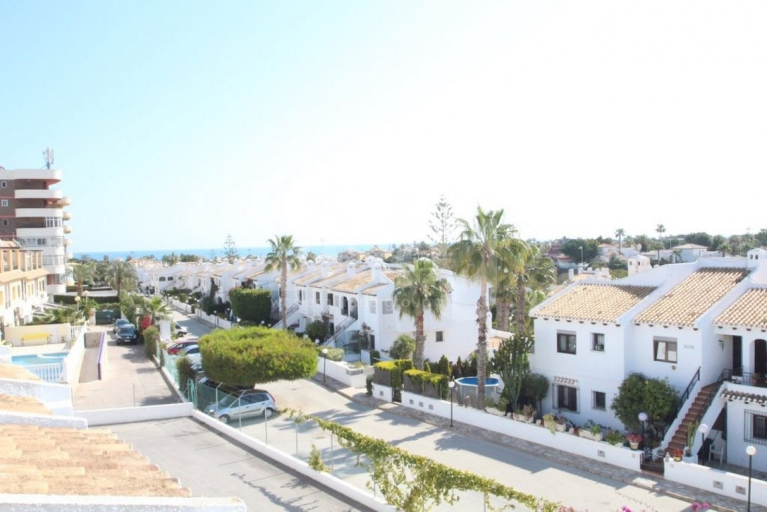 4 bedroom Apartment in Cabo Roig  - CRR90978662344 - 22