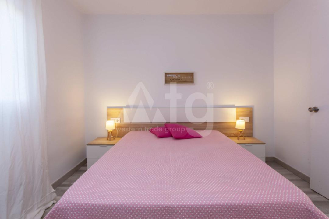 4 bedroom Duplex in Torrevieja  - NH110060 - 15