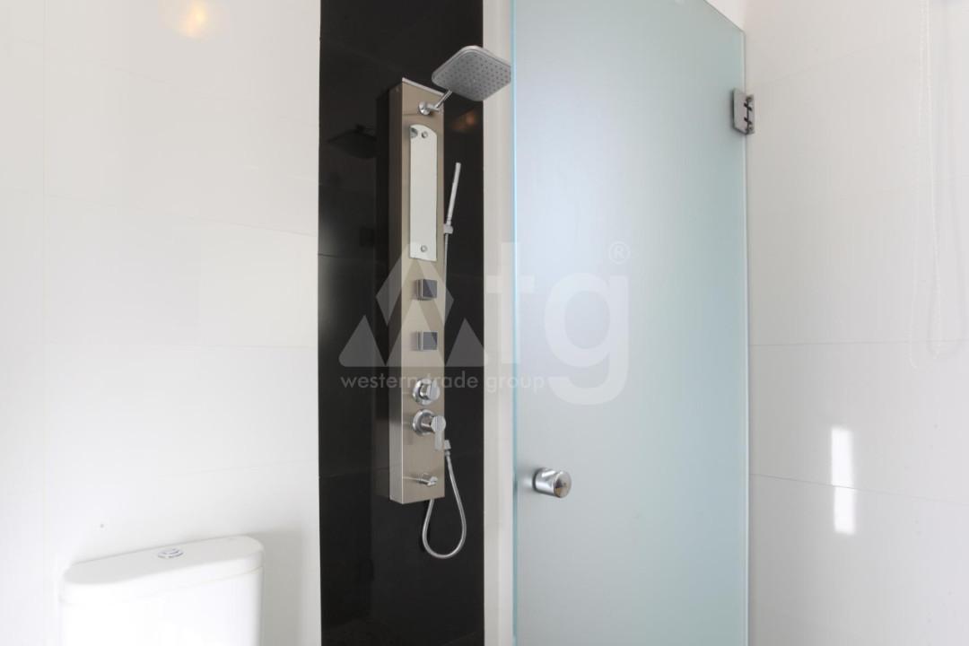 4 bedroom Duplex in Torrevieja  - NH110060 - 24