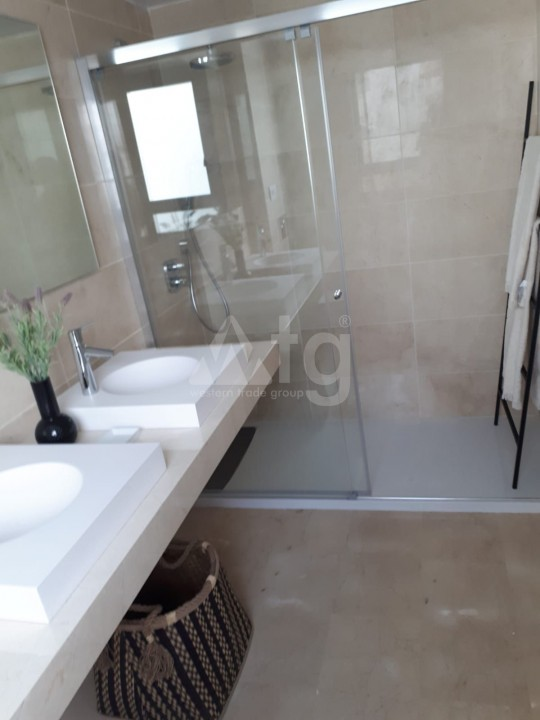 4 bedroom Penthouse in Alicante  - QUA1116925 - 32
