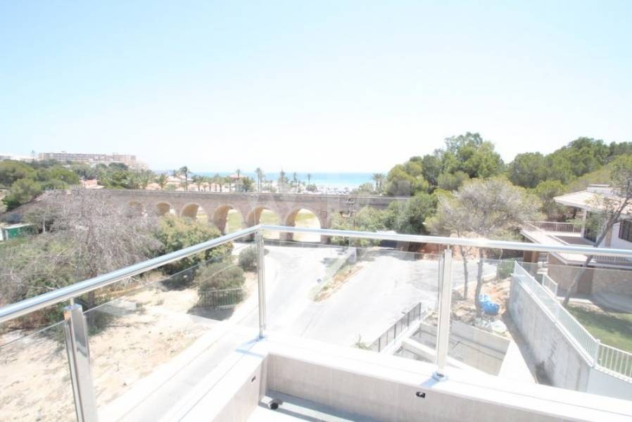 4 bedroom Villa in Dehesa de Campoamor  - CRR17698992344 - 34
