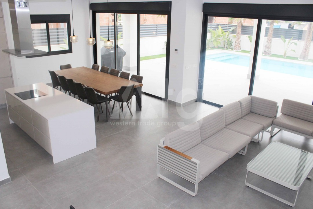 4 bedroom Villa in La Marina  - MC118087 - 8