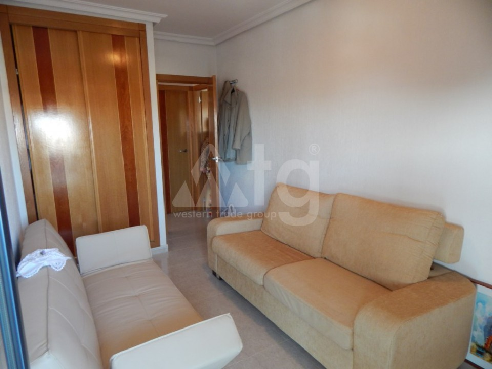 2 bedroom Apartment in Torrevieja  - AG9095 - 11