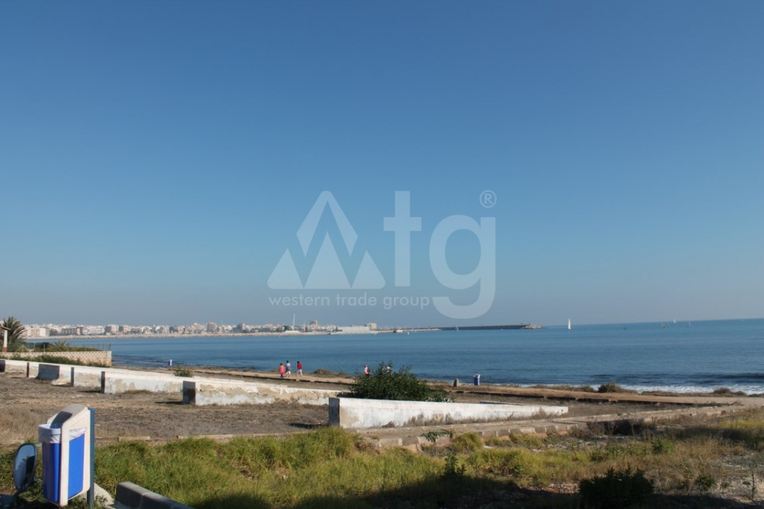 2 bedroom Apartment in Torrevieja  - AG9095 - 4