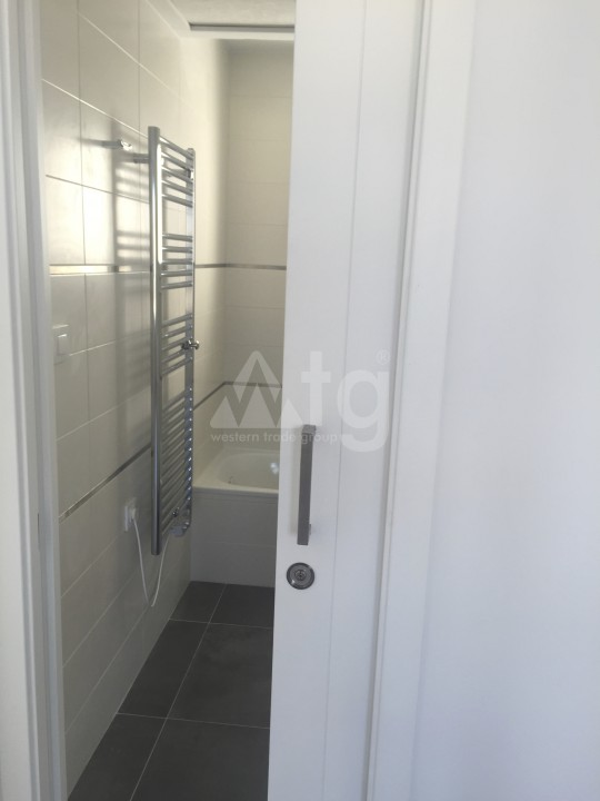 2 bedroom Apartment in Torrevieja - AG5965 - 18