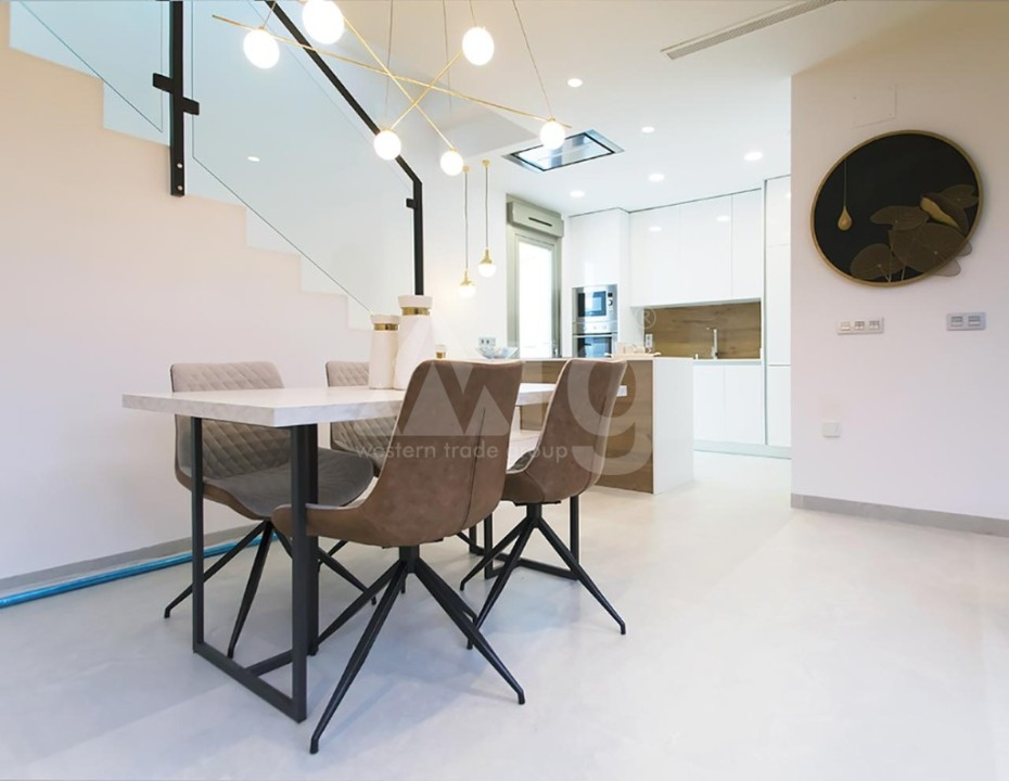 2 bedroom Apartment in Torrevieja  - IR8060 - 3