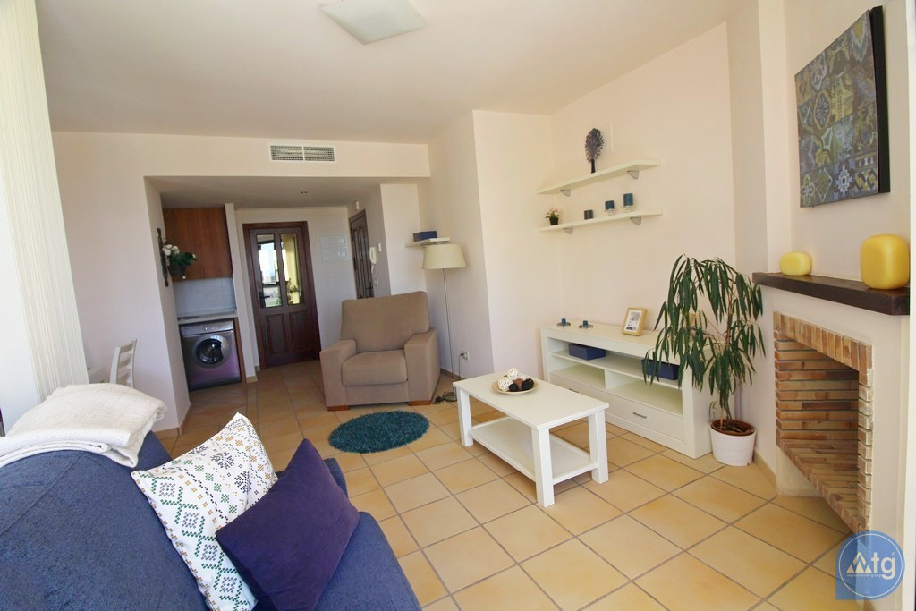 3 bedroom Apartment in Torrevieja - ARCR0271 - 12