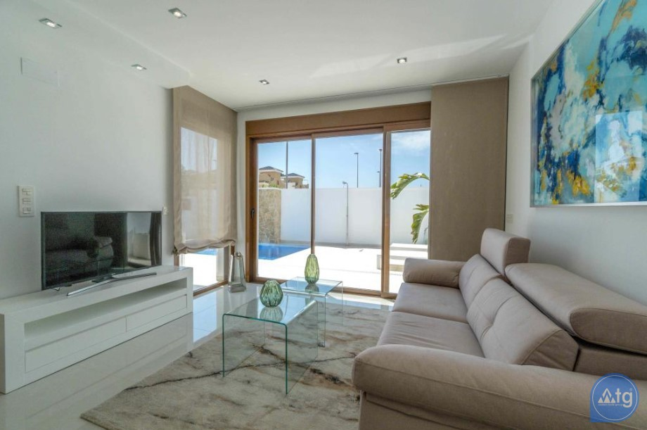 3 bedroom Apartment in Torrevieja - ARCR0478 - 11