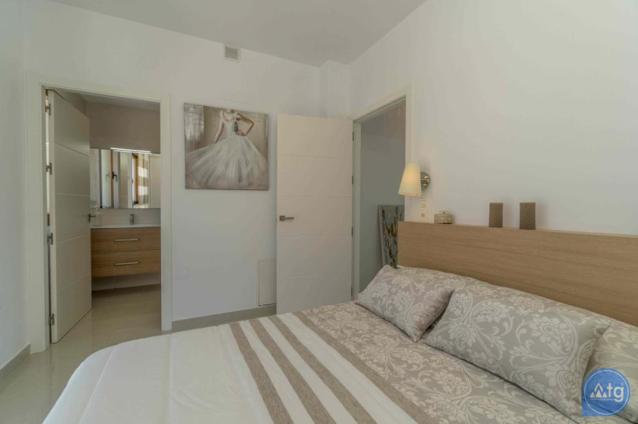 3 bedroom Apartment in Torrevieja - ARCR0478 - 13