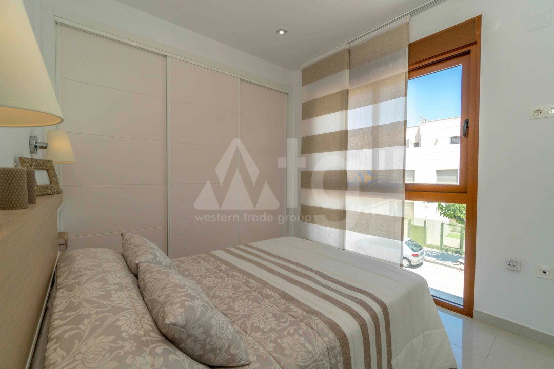 3 bedroom Apartment in Torrevieja - ARCR0478 - 15