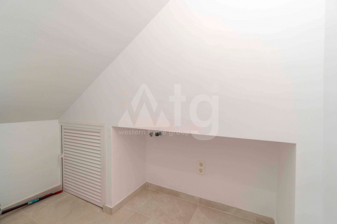3 bedroom Apartment in Torrevieja - ARCR0478 - 18