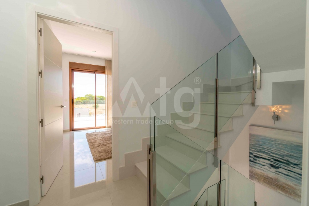 3 bedroom Apartment in Torrevieja - ARCR0478 - 19