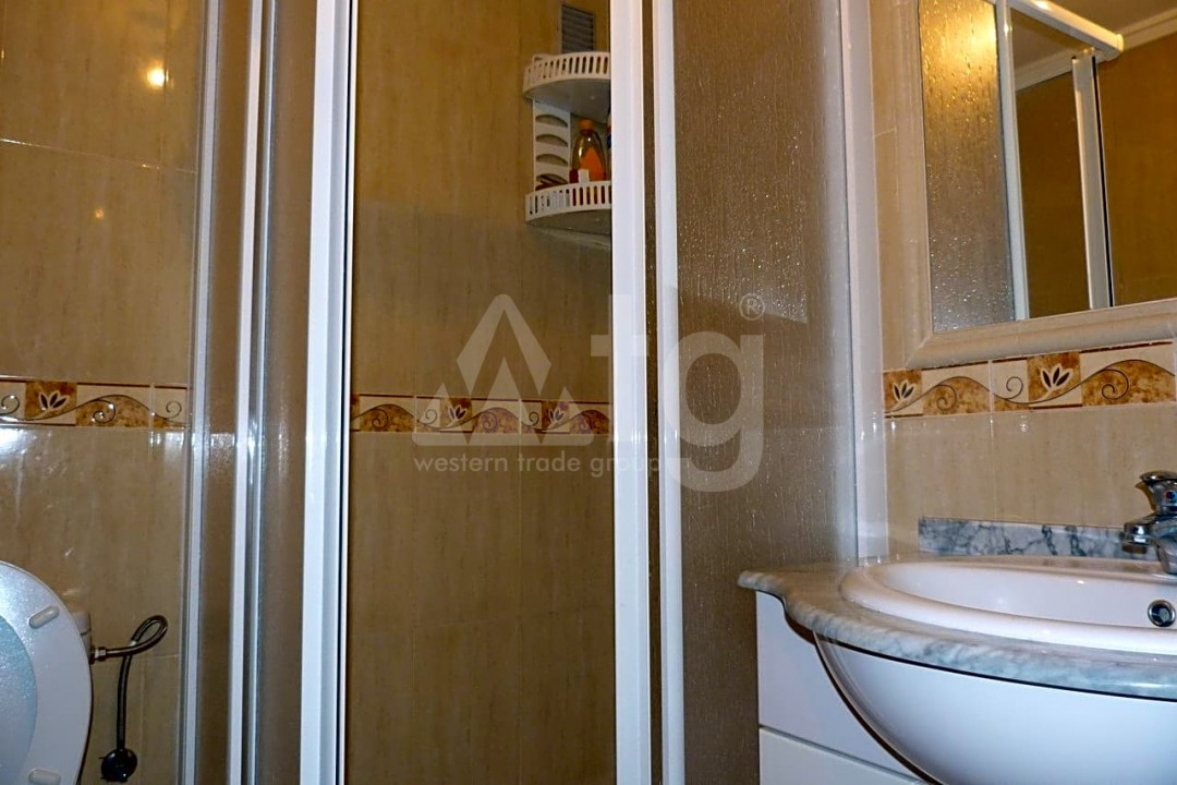 3 bedroom Apartment in Torrevieja - ARCR0478 - 27