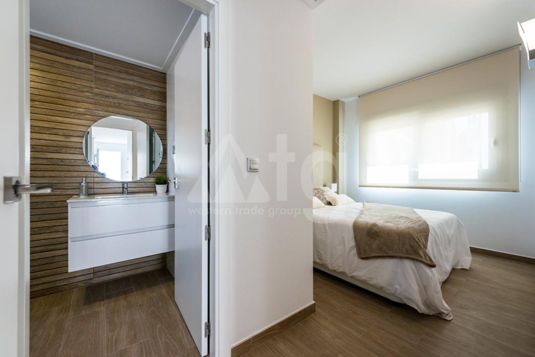 3 bedroom Apartment in Torrevieja - IR8063 - 5