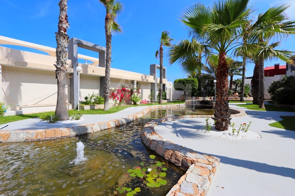 2 bedroom Apartment in Torrevieja  - NH116018 - 12