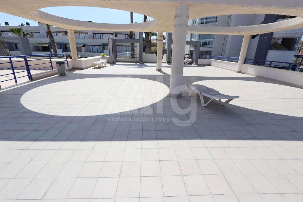 2 bedroom Apartment in Torrevieja  - NH116018 - 19