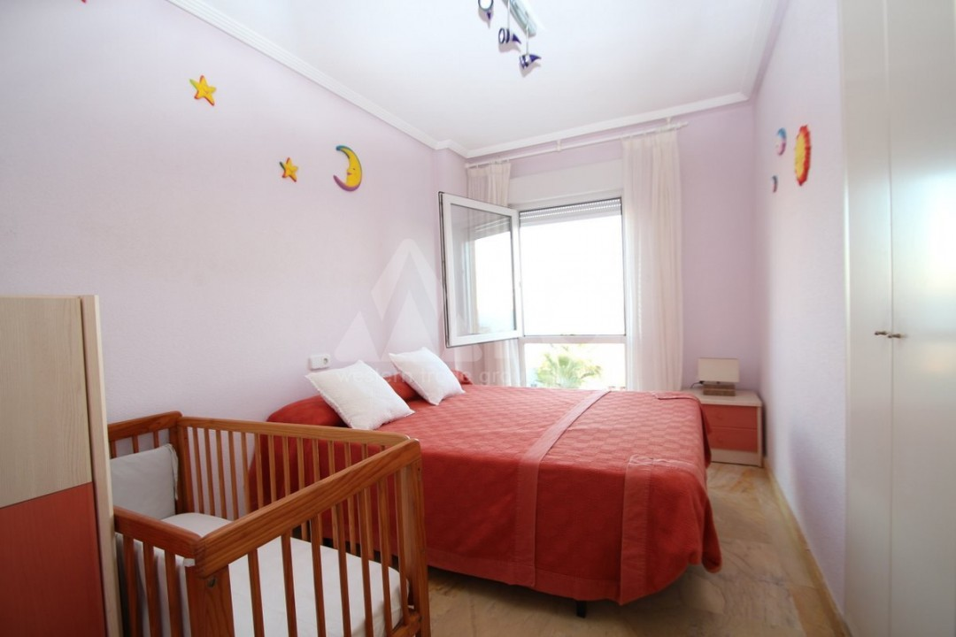 3 bedroom Apartment in Torrevieja  - W8703 - 11