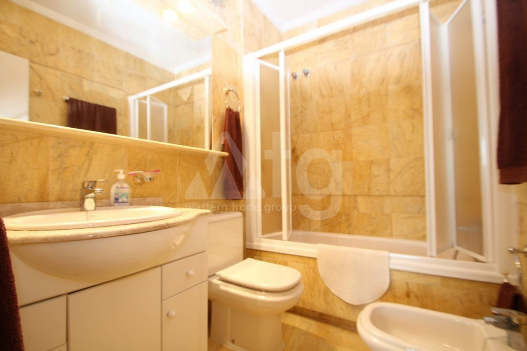 3 bedroom Apartment in Torrevieja  - W8703 - 15