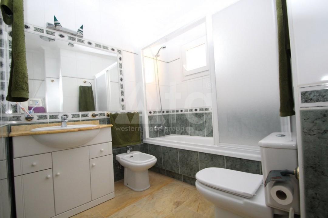 3 bedroom Apartment in Torrevieja  - W8703 - 16