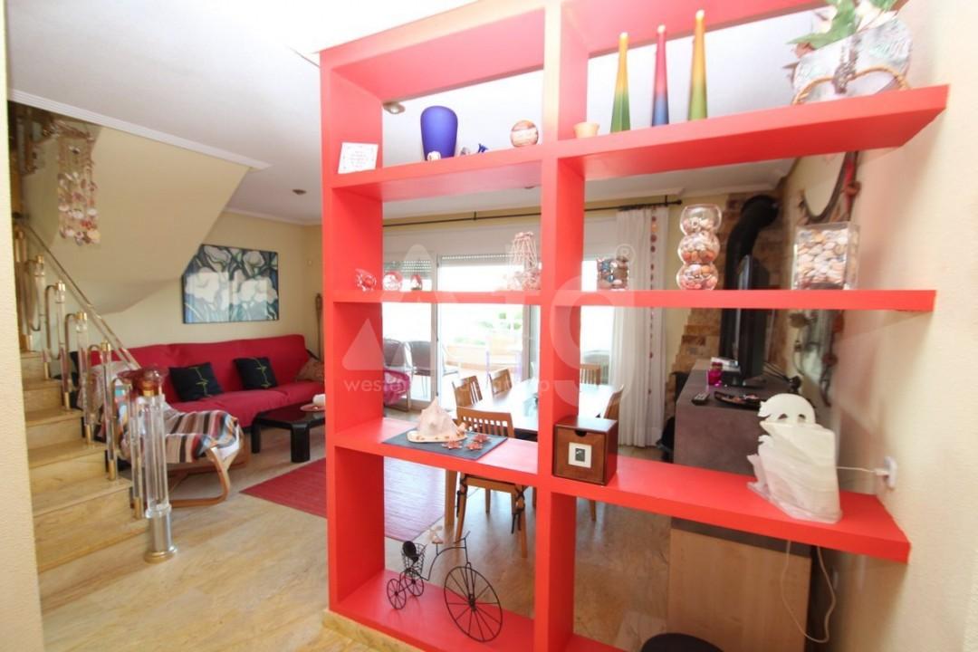3 bedroom Apartment in Torrevieja  - W8703 - 8