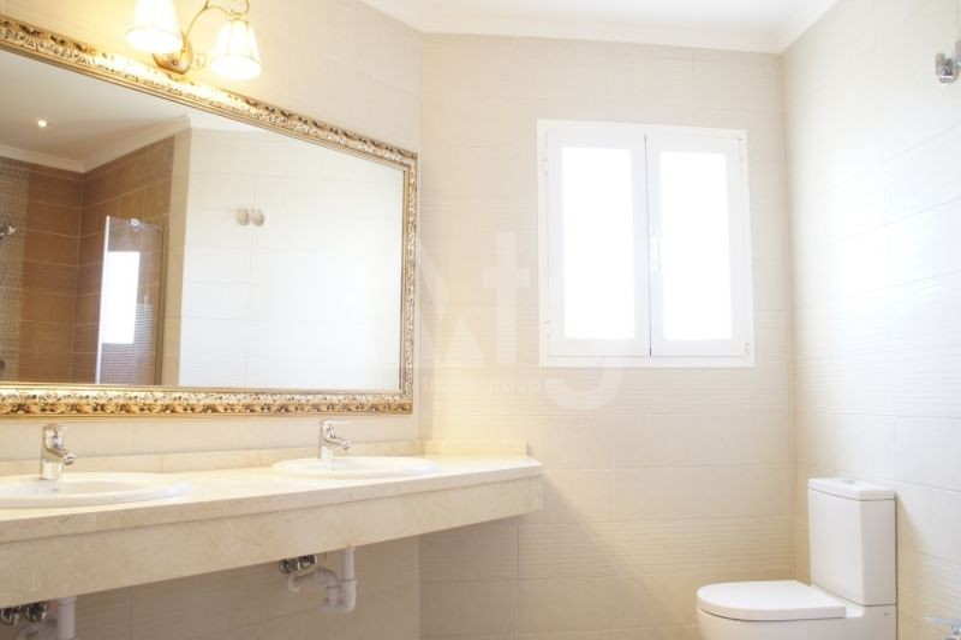 3 bedroom Apartment in Villamartin  - TRI114868 - 11