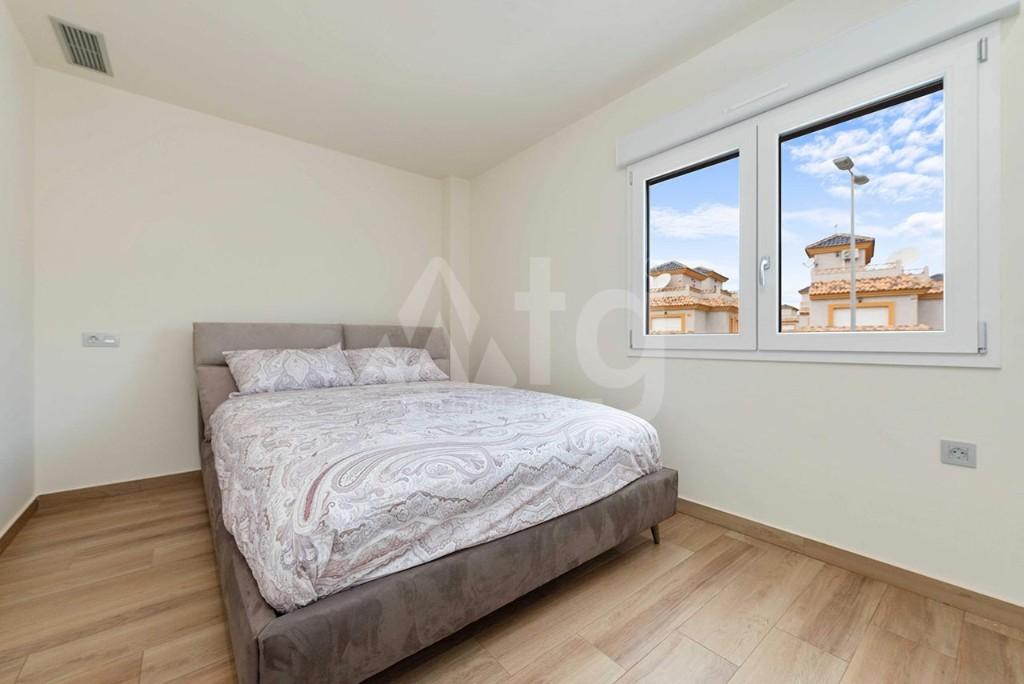 3 bedroom Apartment in Alicante  - IM8265 - 16