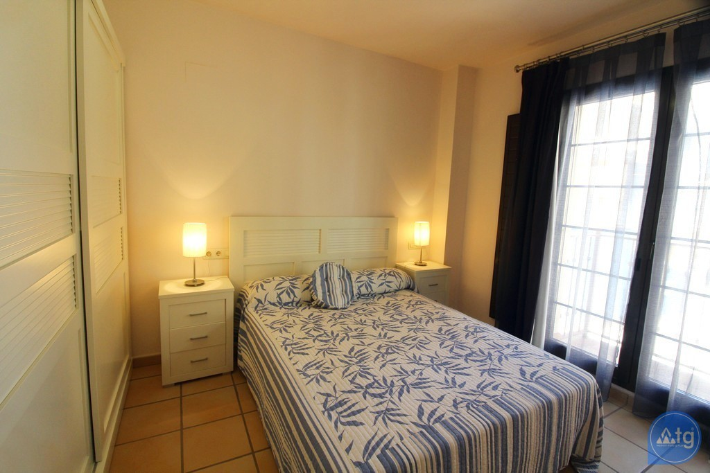 3 bedroom Apartment in Torrevieja  - ARCR0270 - 13
