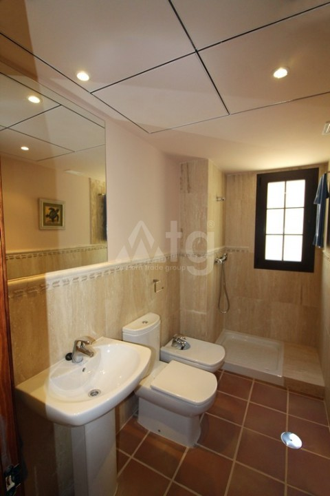 3 bedroom Apartment in Torrevieja - ARCR0270 - 16