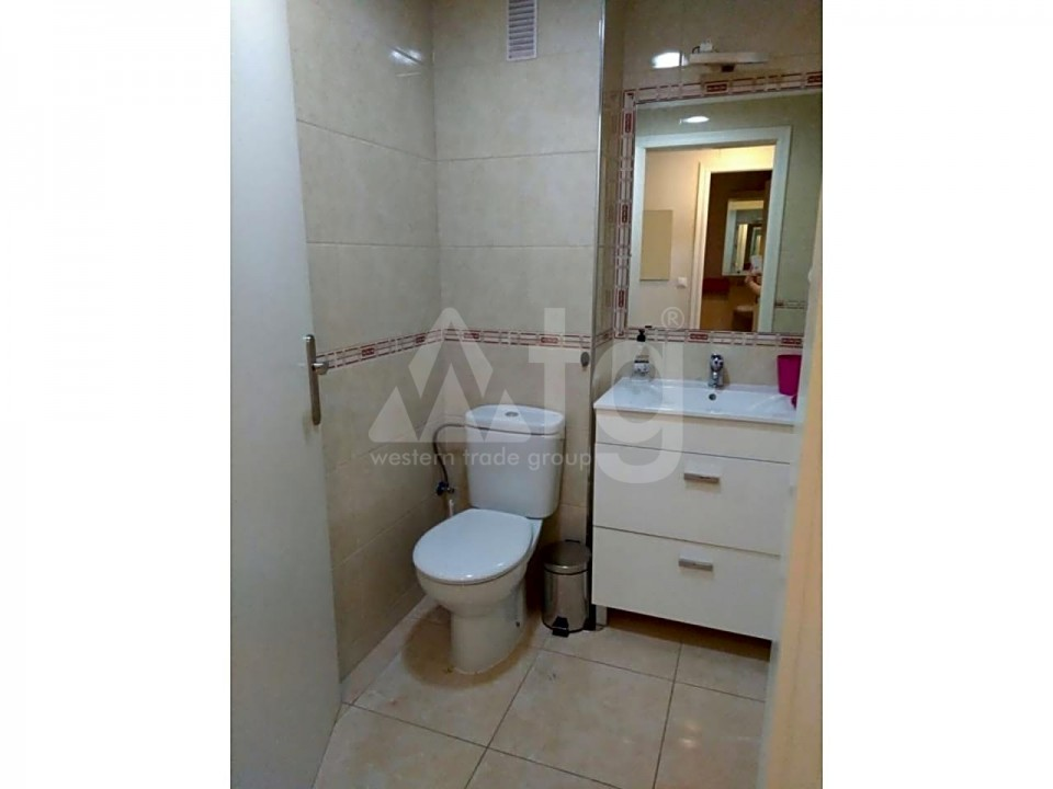 3 bedroom Apartment in Torrevieja  - ARCR0270 - 30