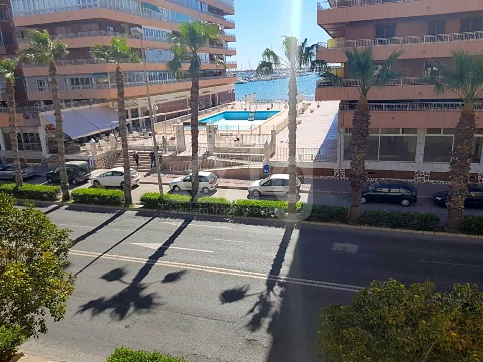 3 bedroom Apartment in Torrevieja - ARCR0270 - 32