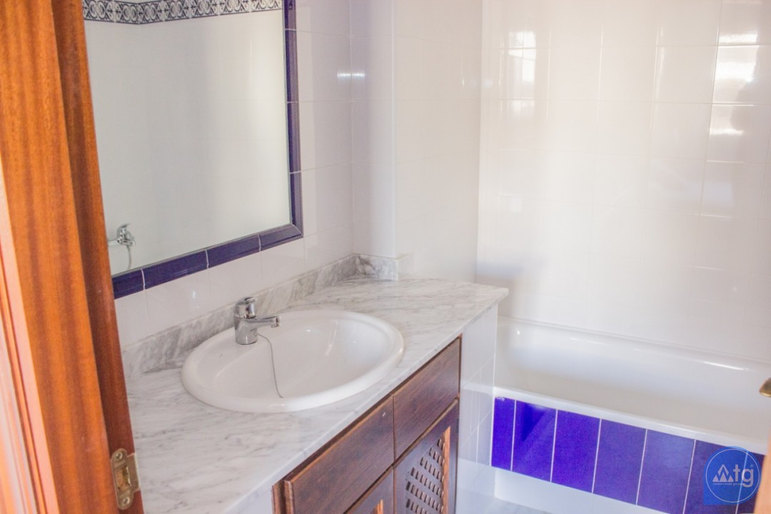 2 bedroom Apartment in Torrevieja - W8707 - 16