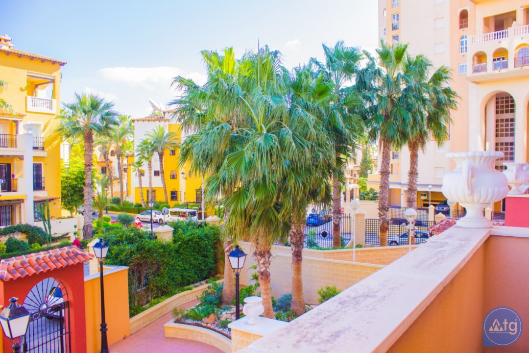 2 bedroom Apartment in Torrevieja - W8707 - 24