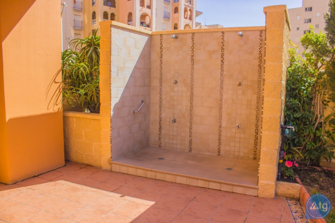 2 bedroom Apartment in Torrevieja - W8707 - 26