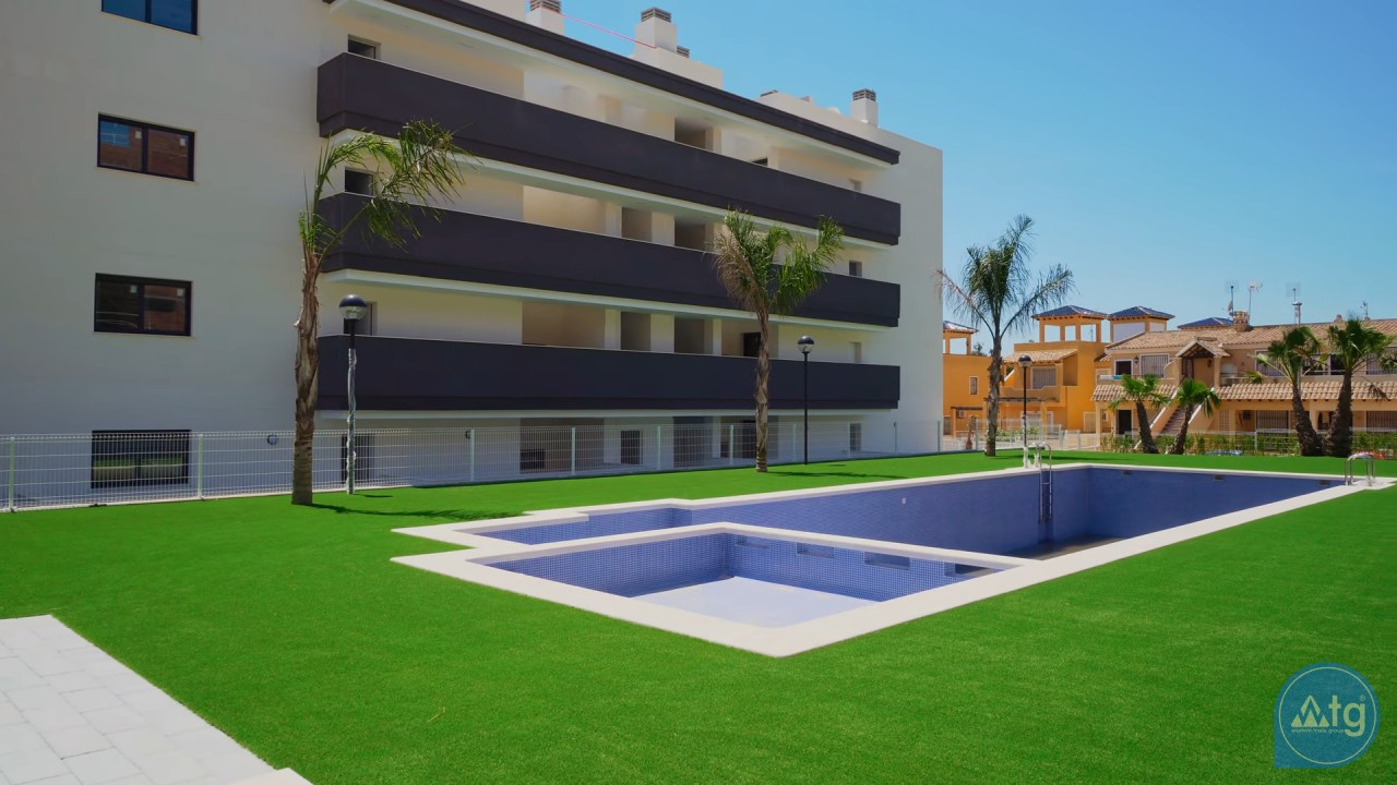 2 bedroom Apartment in Torrevieja  - AG6161 - 17