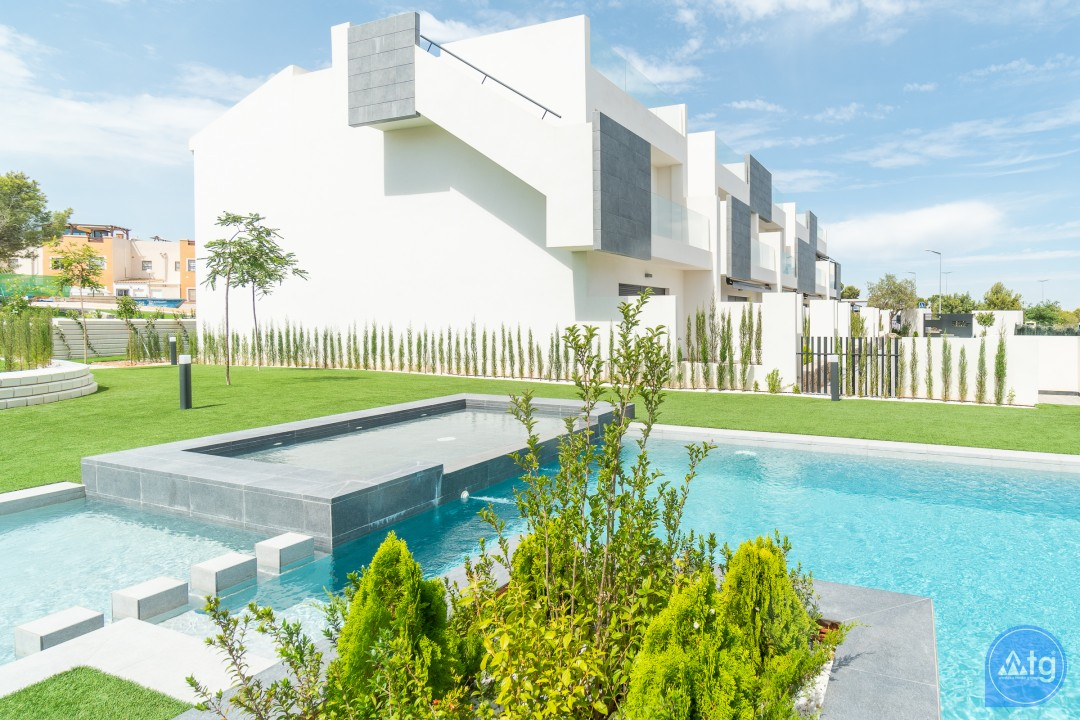 3 bedroom Apartment in Torrevieja - AG9545 - 1