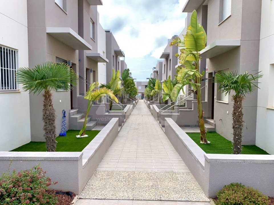 2 bedroom Apartment in Torrevieja  - GK115968 - 1