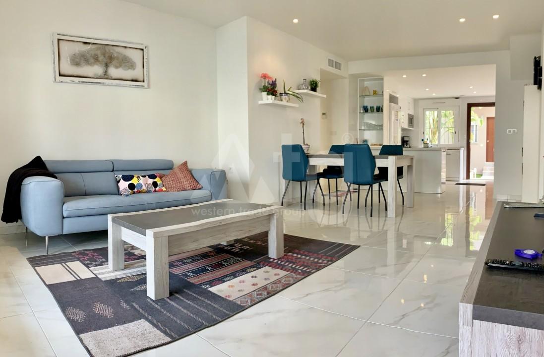 2 bedroom Apartment in Torrevieja  - GK115968 - 5