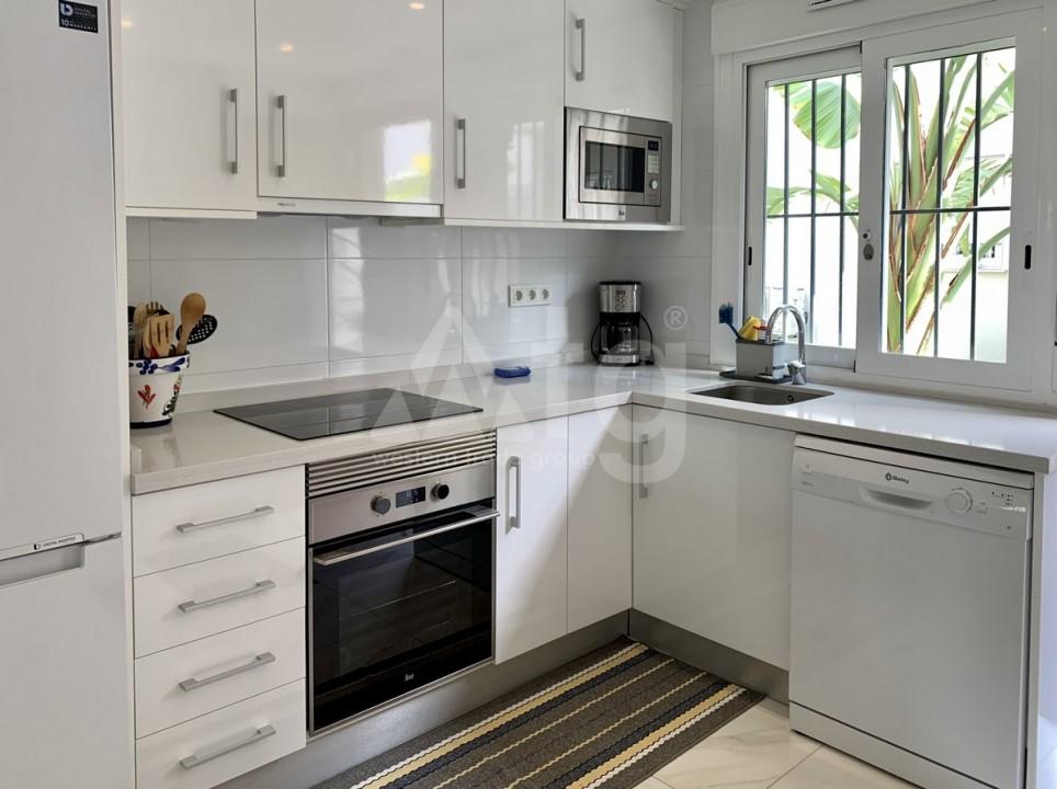 2 bedroom Apartment in Torrevieja  - GK115968 - 8
