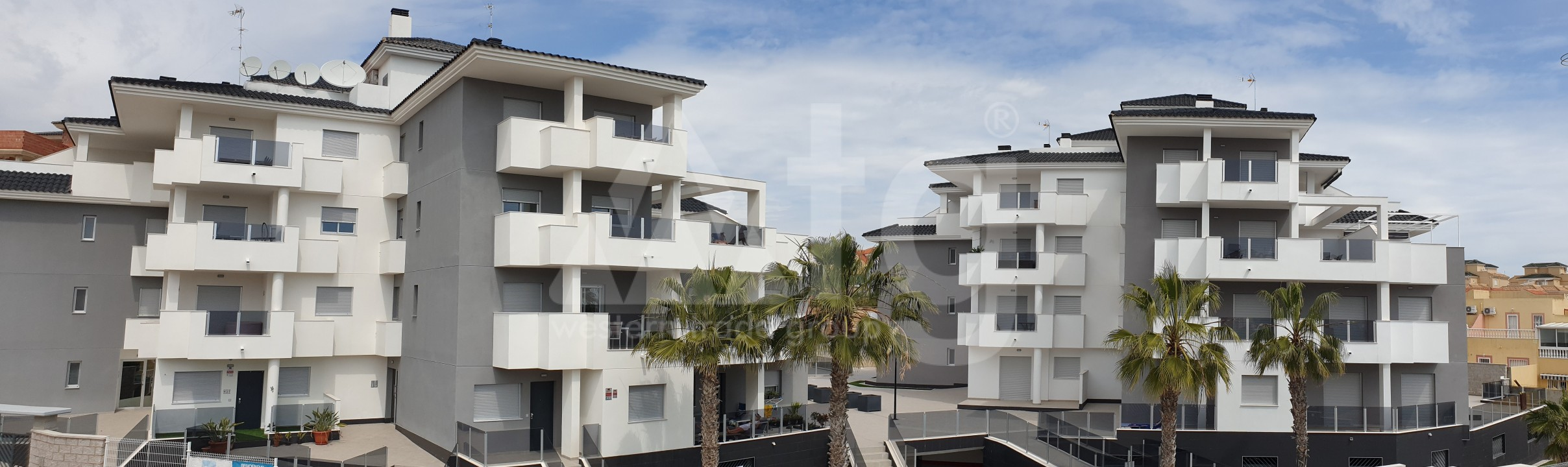4 bedroom Apartment in Torrevieja  - AG773 - 1