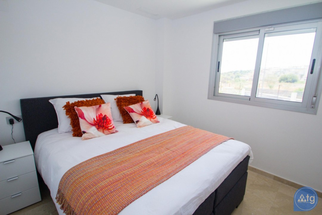 4 bedroom Apartment in Torrevieja  - AG773 - 12