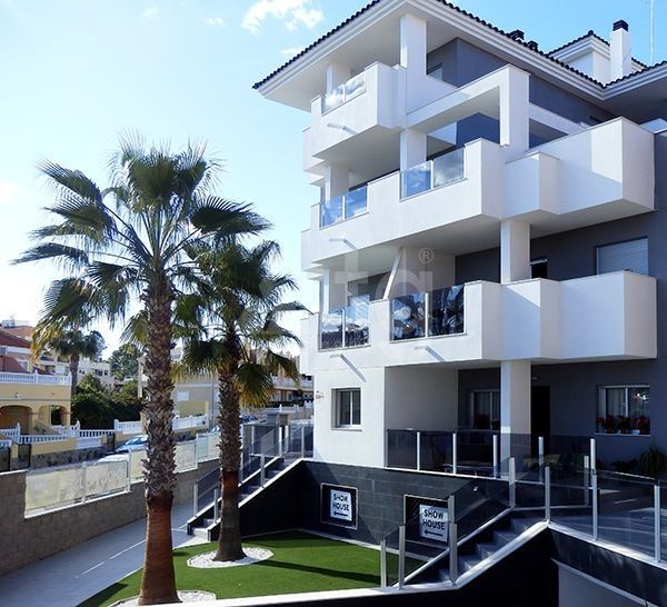 4 bedroom Apartment in Torrevieja  - AG773 - 4